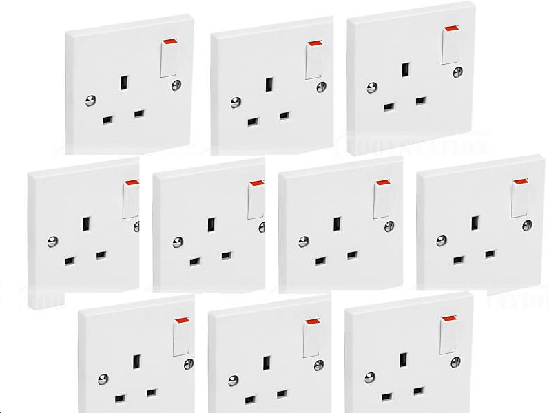 10 x White Switched Single Electric Electrical Socket