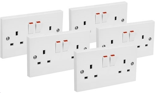 5 White Switched Twin Electric Electrical Double Socket